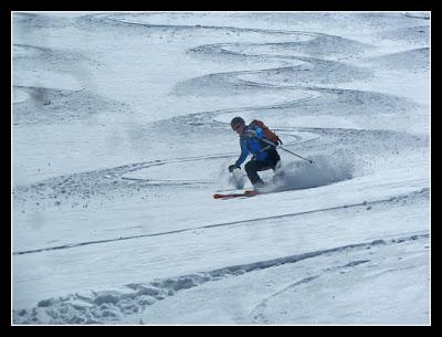 Buena esquiada para bajar de la Maladeta Oriental