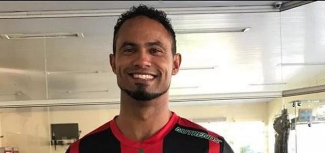 Justiça cancela benefício do goleiro Bruno após vídeo em bar