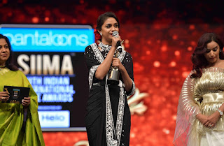 Keerthy Suresh Receiving Best Actress Award for Mahanati at SIIMA Awards 2019 8