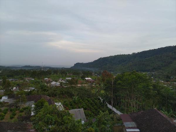 Pura Jonggol Santi Loka Jlono Kemuning Karanganyar