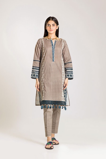 khaadi winter printed brown colour cambric suit
