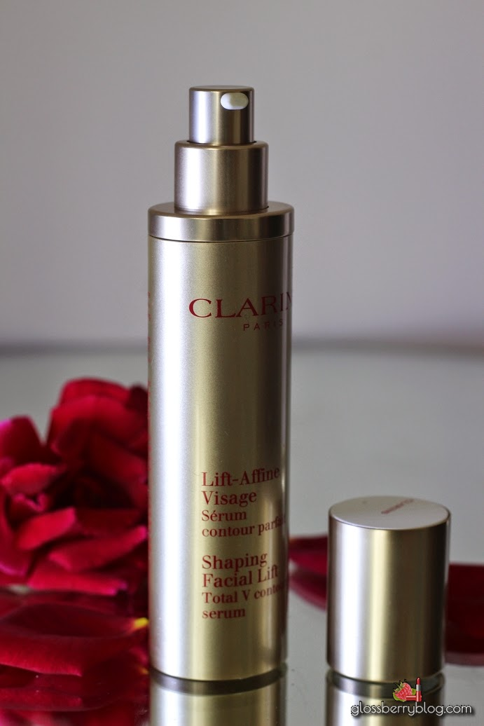 בלוג איפור וטיפוח Clarins Shaping Facial Lift Total V Contouring Serum Review // סרום מחטב לפנים מבית קלרינס shape lift serum slimming auto lifting
