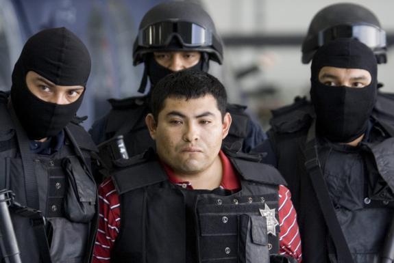 """12 AÑOS de la """"BRUTAL EJECUCIÓN"""" en REYNOSA"""" de El Gallo de Oro""""  VALENTÍN ELIZALDE..,  posteriormente fue ejecutada también  Elhummer02"""