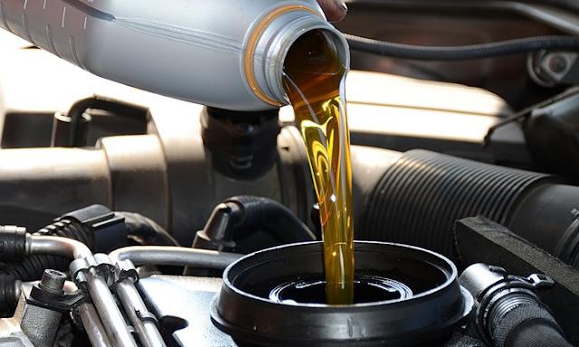 đổ dầu nhớt