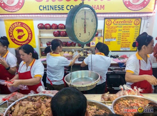 Inside the store, Excelente Chinese Holiday Ham