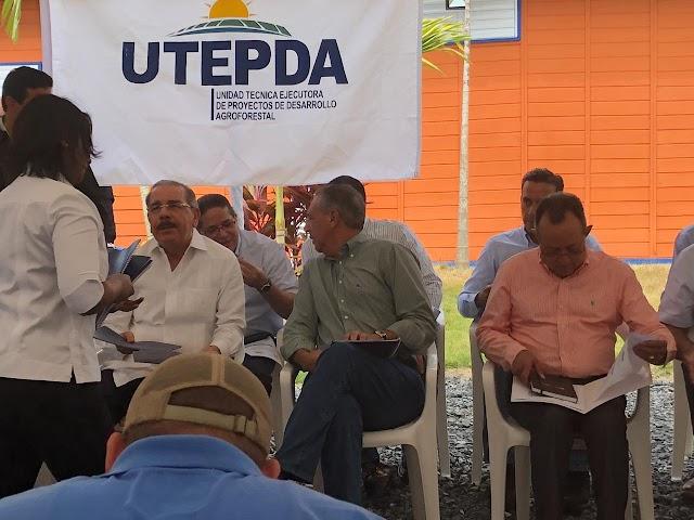 Danilo Medina de Visita sorpresa en el Municipio de Bohechio. Se enterara de las problematicas de Arroyo Cano?