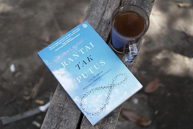 Buku Rantai Tak Putus Karya Dee Lestari