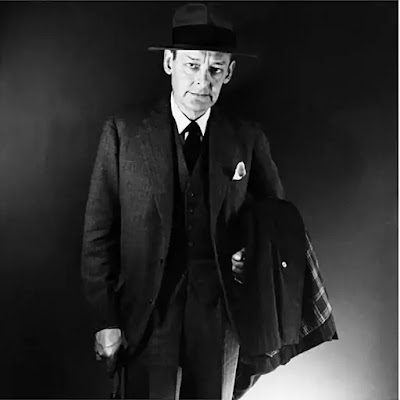 T. S. Eliot was born in St. Louis, Missouri in 1888. After a Harvard degree he came to Europe to complete his studies and because of the war, stayed in England, where he did low-paid work as a teacher and bank-clerk, while writing reviews of startling originality