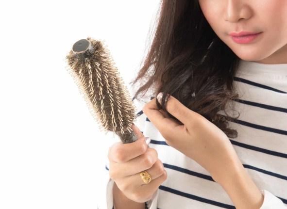 Apa Penyebab Rambut Rontok Dan Bagaimana Cara Penanganan Rambut Rontok