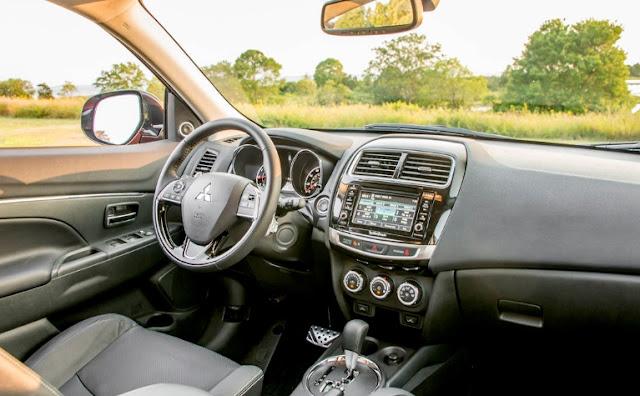 2018 2019 Mitsubishi Outlander Interior