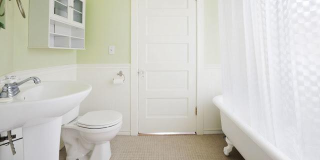 Cara Membersihkan Toilet Jongkok yang Berkerak