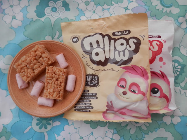 Vegan rice krispie treat recipe, with Freedom Mallows vegan marshmallows. By UK vegan blogger secondhandsusie.blogspot.com #vegan #veganrecipe #ricekrispietreats #freedommallows