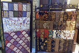 Yuk Cek Koleksi dan Harga Batik di Sarinah Indonesia.