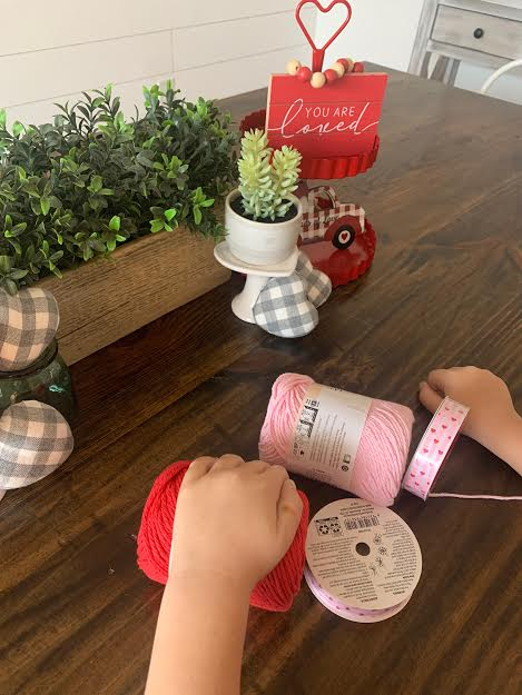 Valentine, handmade, yarn, hearts, kid, family, easy, athomewithjemma.com