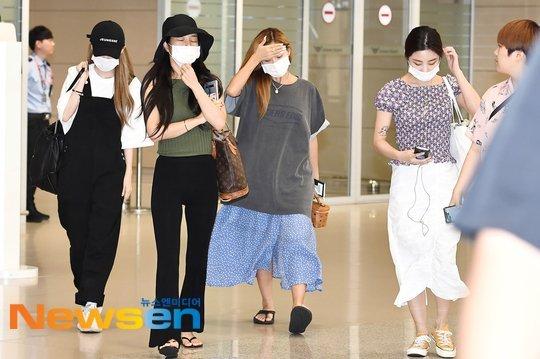 Hwasa havaalanı modasında maksimum rahatlığı tercih etti