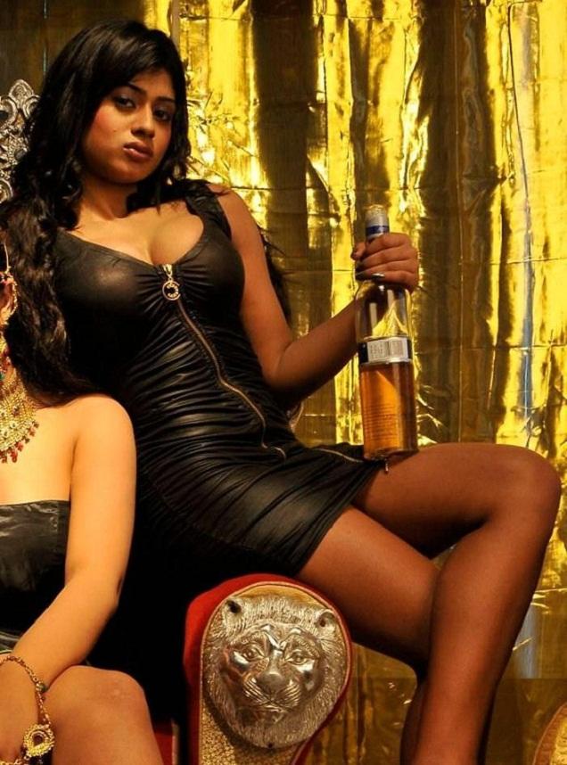Tamil Actress HD Wallpapers FREE Downloads: SANYA SRIVASTAVA