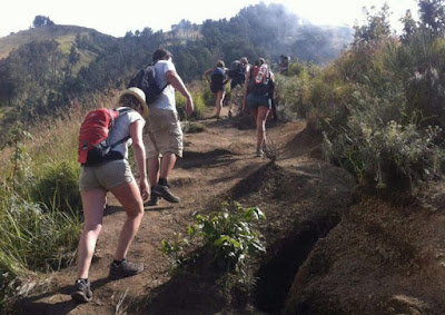 http://www.lomboksociety.com/2019/12/5-best-rinjani-trekking-organizer.html