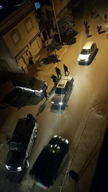 عاجل (صور) من حي إبن خلدون: هنالك من حاول إقتحام مركز الأمن ...