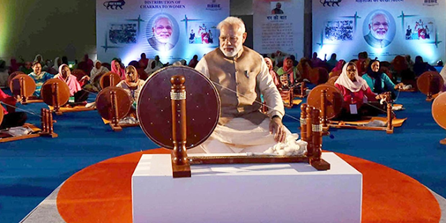 नरेंद्र मोदी भी राष्ट्रपिता की तरह हैं: कैलाश विजयवर्गीय | MP NEWS