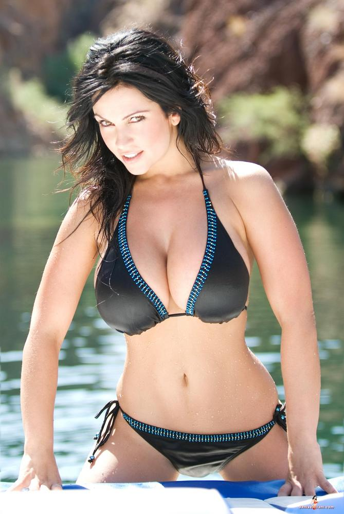 Denise Milani – Bikini Body in the lake - Denise Milani ...