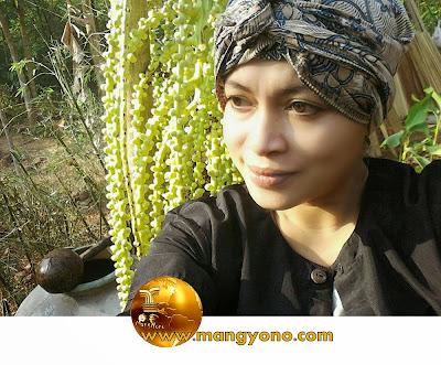 FOTO : REBO NYUNDA ... Teh Lurah Yuli Merdekawati, Lurah Cigadung, Subang, Jawa Barat...