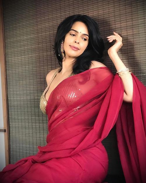 Booo Sabki Phategi Movie Actress Mallika Sherawat Latest Photo Stills in Sexy Saree Navel Queens