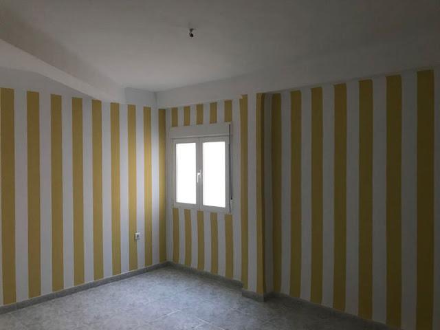 Colocación de papel pintado en hogares y negocios en Málaga