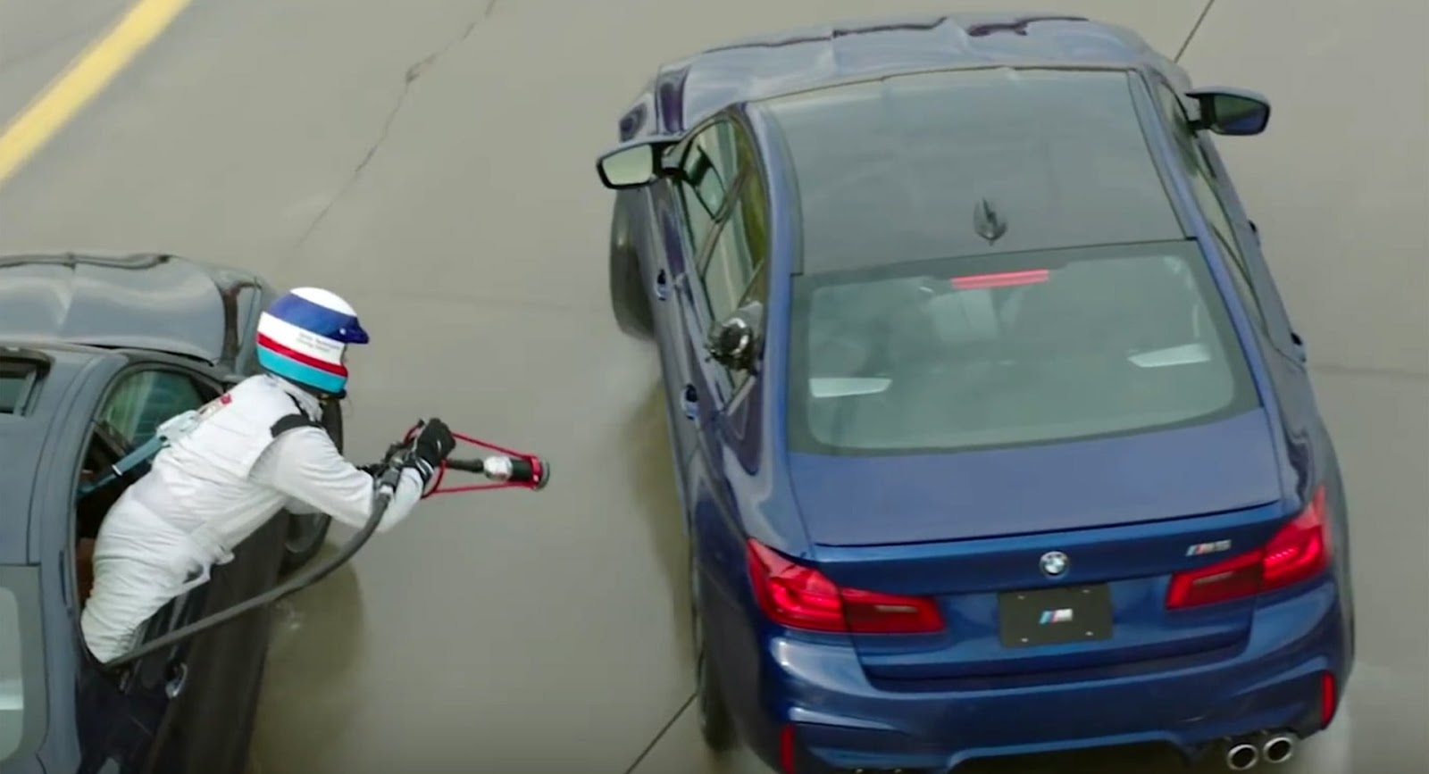 Watch This BMW Refuel While Drifting In Tandem