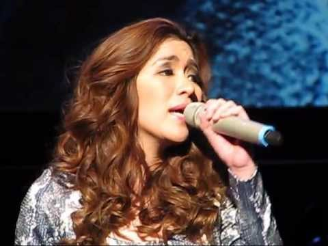 Angeline Quinto Complained About Her Microphone Then She Realized Something Hilarious!