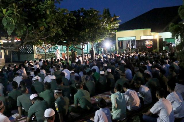 HUT TNI Ke-72, Kodim 0308 Pariaman Gelar Manunggal Subuh Indah Penuh Berkah