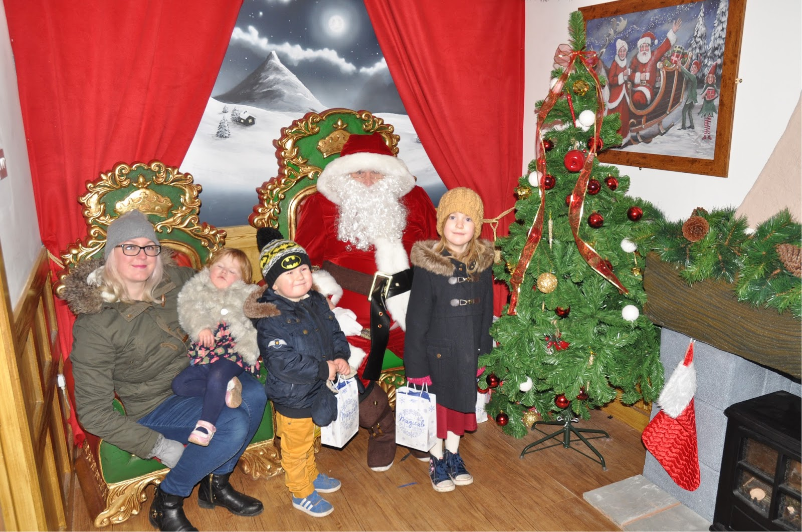 10 of the Best UK Christmas Breaks for Families 2018  - Magical Christmas at Thomas Land