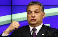 kinevetem Orbán Viktort, az uszítót