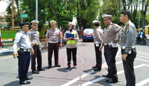 Forum Lalu Lintas dan Angkutan Jalan Lumajang melaksanakan survey