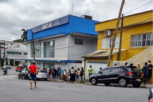 Vander Lopes cobra fiscalização de aglomerações em agências bancárias em Registro-SP