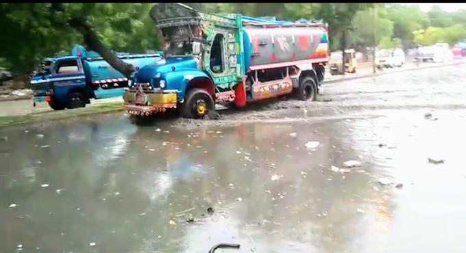 شہر قائد کراچی میں مونسون کی پہلی بارش، انتظامیہ کے دعوے دھرے کے دھرے