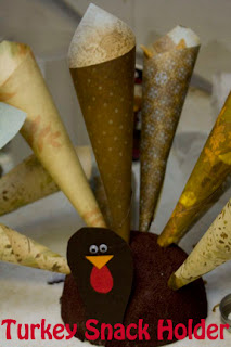 Festive Turkey Snack Holders Help Keep Kids Hunger at Bay