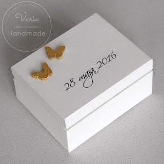 Pudełeczko na obrączki z motylkami :)