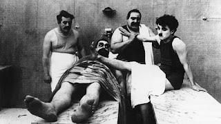 Курортное кино: Чарли Чаплин, «Лечение», 1917