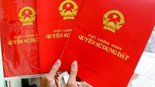 """Một thửa đất cấp sổ đỏ cho hai người: Chính quyền """"phủi tay"""", người dân lãnh đủ"""