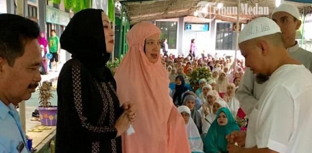 Jadi Mualaf, Angelina Sondakh Sering Mengaji dan Khatam Al-Qur'an di Penjara
