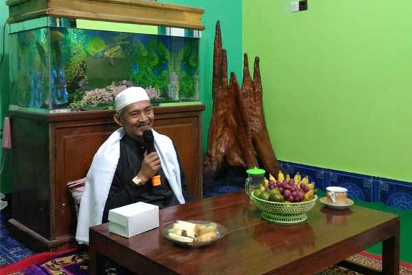 KH Abdullah Kafabihi Mahrus Lirboyo: Belajar di Pesantren pada Zaman Sekarang adalah Wajib