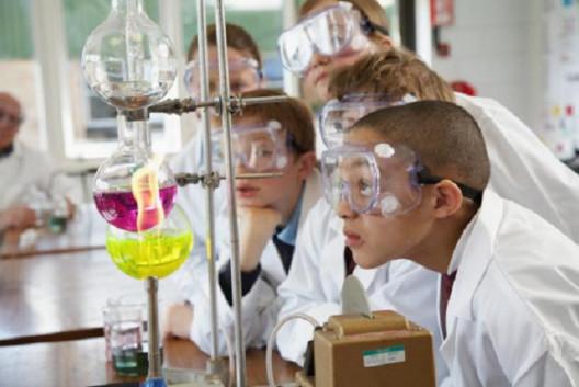 توزيع منهج الكيمياء للصف الاول الثانوى 2019