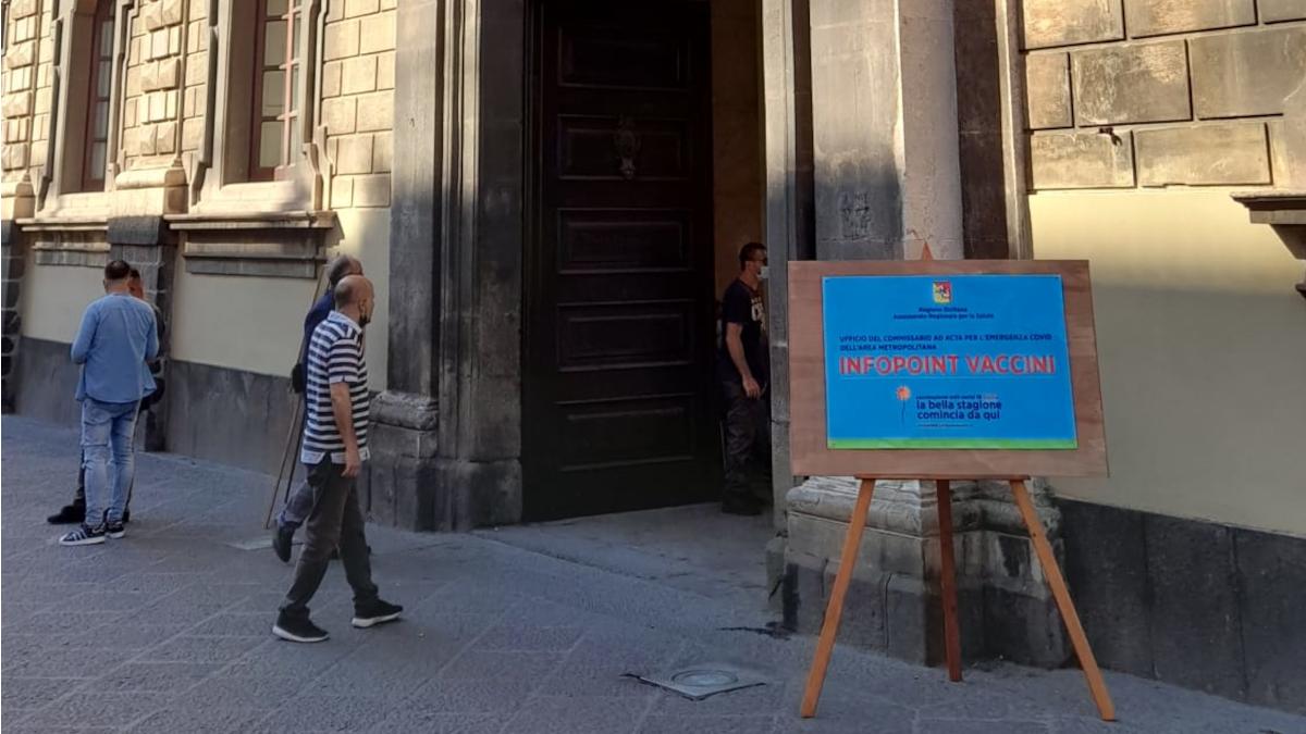 Hub vaccinale Municipio Catania prorogato Palazzo degli Elefanti