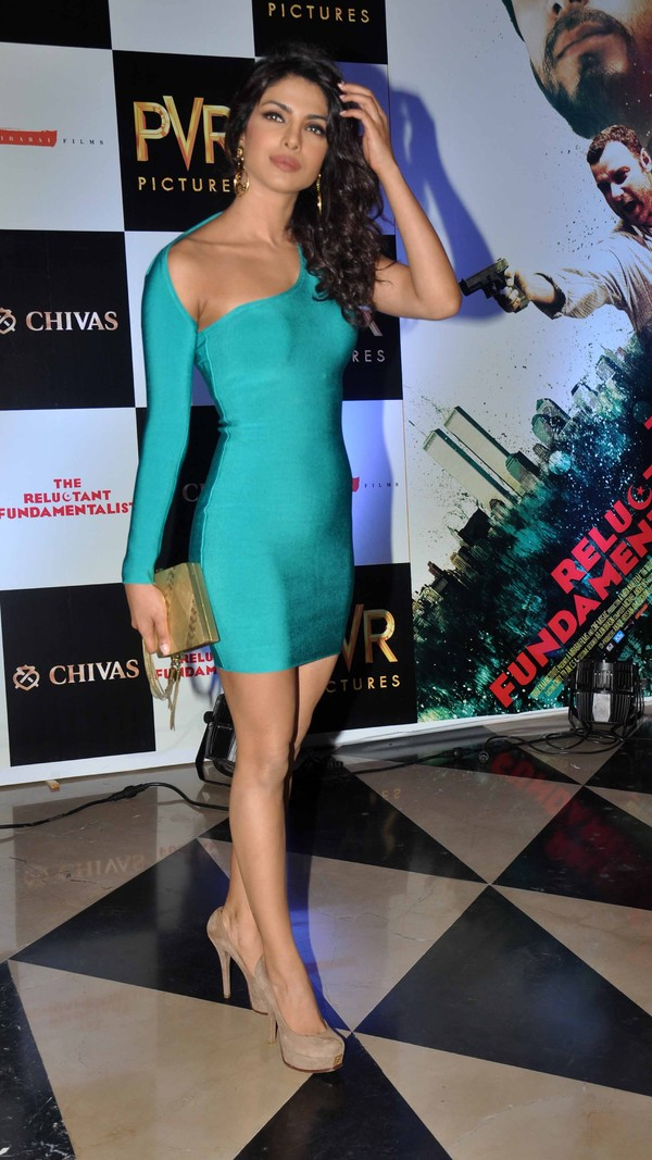 glamorous diva Priyanka chopra hot at the reluctant fundamentalist premiere show
