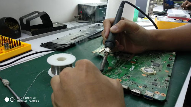 [SOLVED] Laptop Acer 4743 No Power | Repair Laptop Nilai
