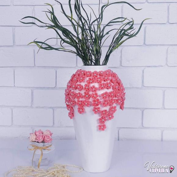 vaso de bexiga e flor de biscuit