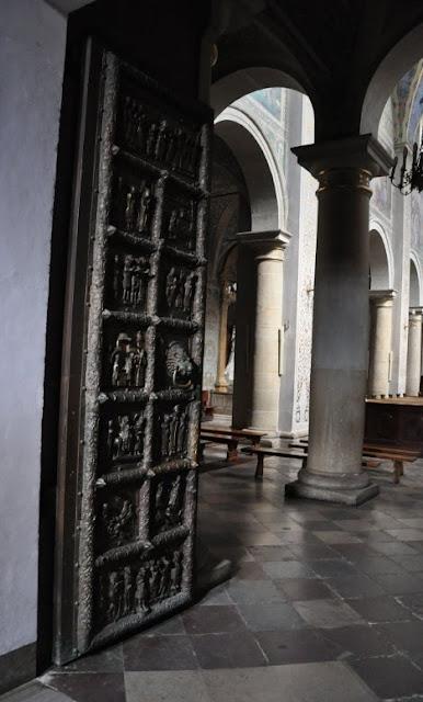 Kopia wczesnośredniowiecznych drzwi Płockich