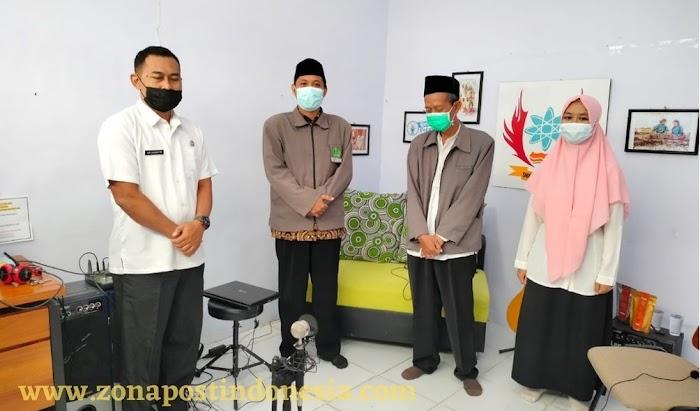 Laksanakan Kegiatan MPLS Secara Daring,  SMKN 1 Tapen Gandeng Penyuluh Bidang Garapan Radikalisme dan Bidang Garapan KUB Kecamatan Tapen.