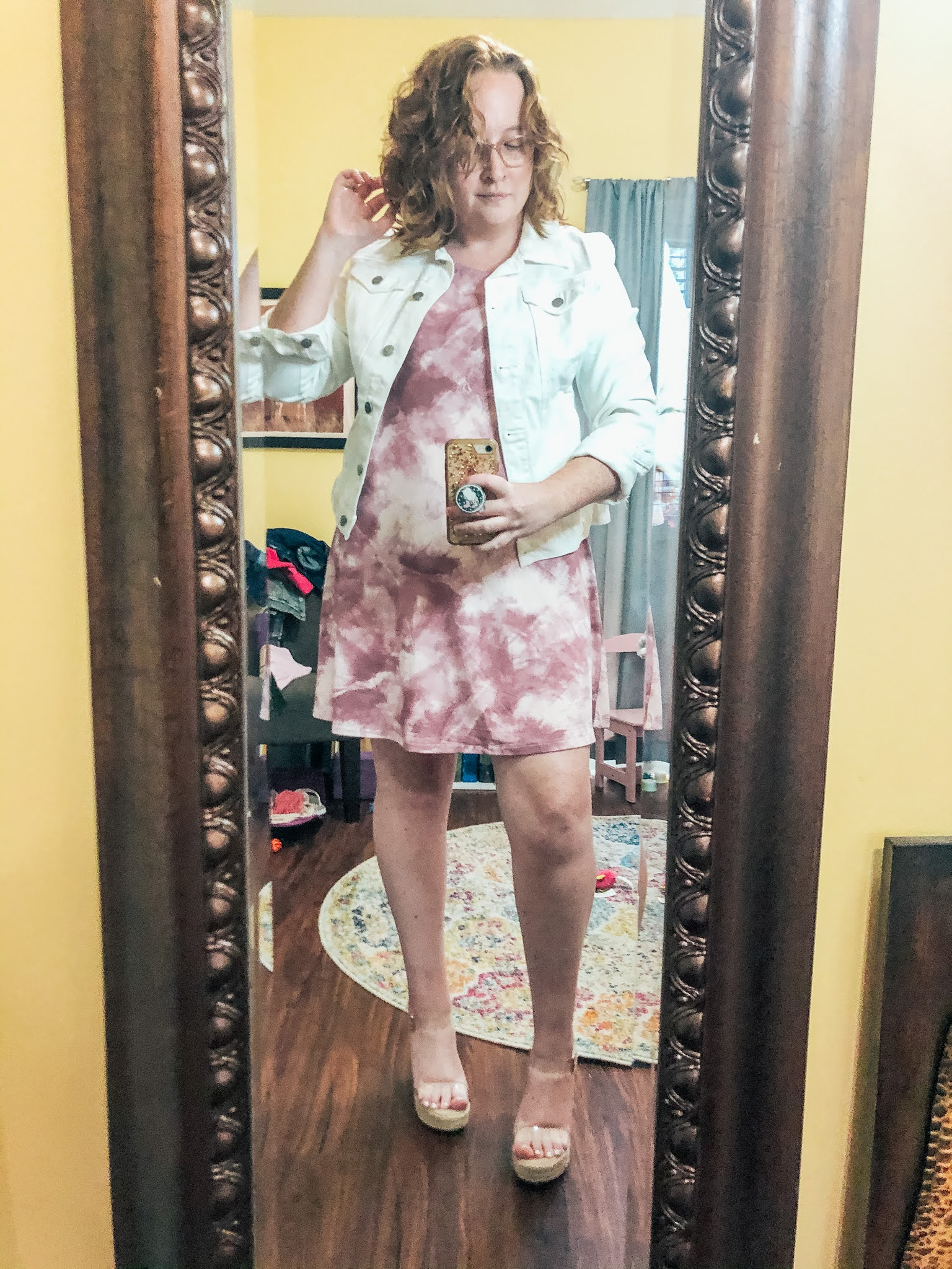 tie-dye-dress-white-denim-jacket-clear-wedges