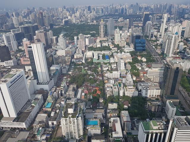 Pemandangan gedung tertinggi Thailand